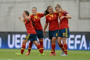 Lorena Navarro of Spain (l) celebrates with team-mates Ona Batlle, Paula Fernández and Carmen Menayo after scoring her side's fifth goal against Switzerland during their UEFA European Women's Under-17 Championship final